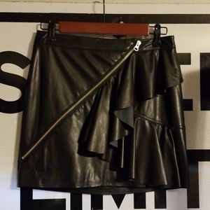 Nasty Gal faux leather mini skirt size 4